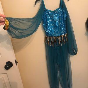 Children's Jasmine costume with crown